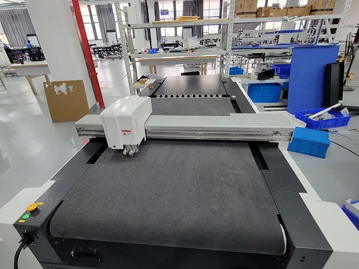 IECHO-Maschine neuester Bauart PK1209- Größerer Schneidbereich, bessere Schneidwirkung